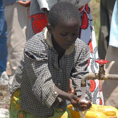 Sickla Gruvlopp ger<br /> 26 000 kr i stöd för rent dricksvatten